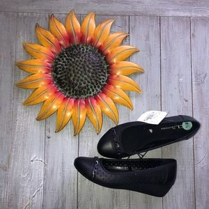 New black wedges CL by Laundry